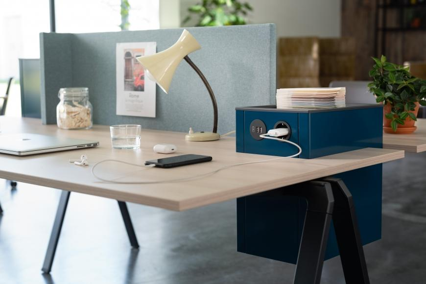 Für Co-Working spaces und home-offices gut geeignet: Yuno-Office Serie von Wiesner-Hager.
